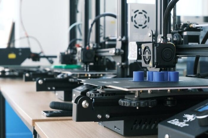 A 3D printer in an office