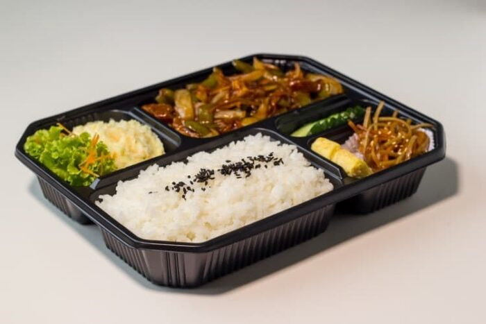 Plastic food container with food